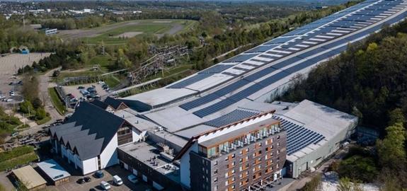 SnowWorld neemt 13.000 zonnepanelen in gebruik