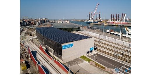 Oostendse stationsparking kreeg zonnedak met 1.700 zonnepanelen