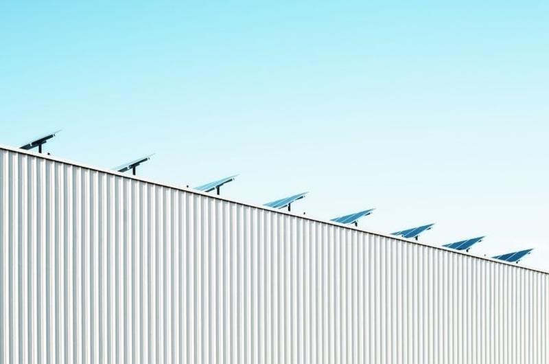 Burgerinitiatief HagelandStroomt legt 146 zonnepanelen (40 kWp) op het dak van ontmoetingscentrum De Hemmekes in Scherpenheuvel-Zichem