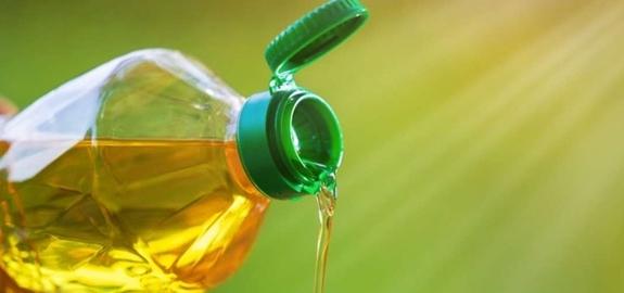 Spons maakt biodiesel van kookolie