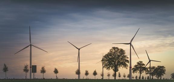 Het elektronisch aanpassen van het vermogen van windmolens om in een hogere subsdidiecategorie te vallen, wordt aangepakt