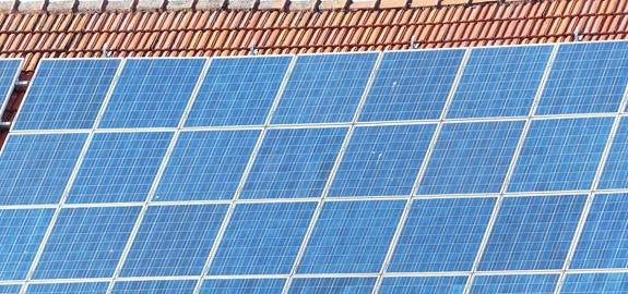 Eindejaarsrush Vlaanderen: verkoop zonnepanelen bij consumenten tientallen procenten gegroeid
