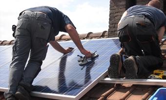 Start openbare aanbesteding ASTER voor 650.000 zonnepanelen op Vlaamse huurwoningen