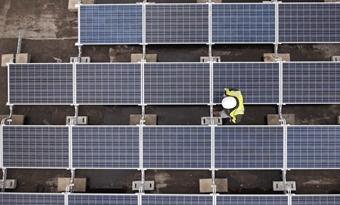 COVID-19: Zonne-energie en hernieuwbare energiebronnen kunnen het economisch herstel van de EU groen maken