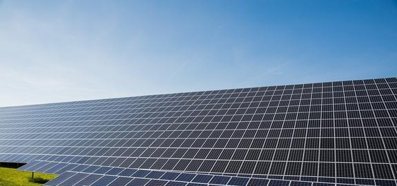 IHS: wereldwijde verkoop zonnepanelen daalt door coronacrisis met 16 procent