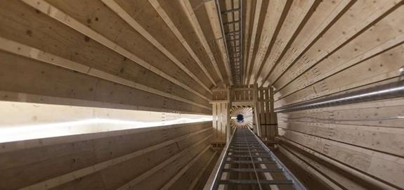 Windturbine van hout in Zweden