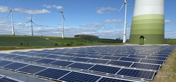 Nieuw montagesysteem voor de integratie van kleine PV in windparken
