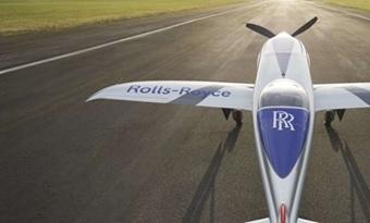 Het snelste elektrische vliegtuig ter wereld zet eerste stapjes