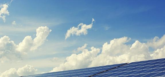 Zon en wind kunnen aarde honderd keer van elektriciteit voorzien