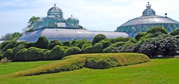 Het nieuwe duurzame verwarmingssysteem voor het Koninklijk Domein van Laken is operationeel!