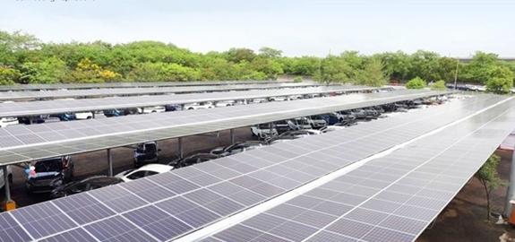 Grootste zonnecarport van India operationeel