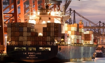 Prijzen blijven stijgen: transport container zonnepanelen uit China kost nu ruim 11.000 dollar